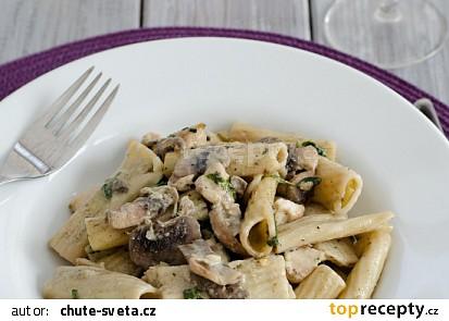 Smetanové těstoviny s kuřetem a houbami