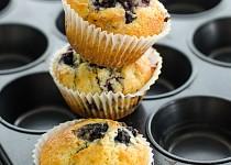 Velké borůvkové muffiny