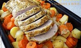 Vepřová pečeně s brambory a mrkví