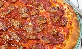 Vysoká a hluboká pizza