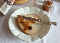 Zimní hrušková marmeláda se sušenými švestkami