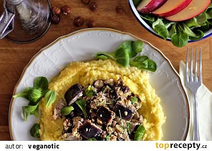 Citronový lilek s tofuricottou, houbami a lískovými ořechy