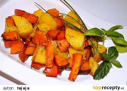 Dýně Hokkaido pečená s brambory a mrkví