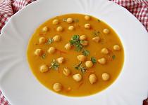 Dýňová polévka s mandlovým mlékem a kari