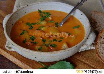 Frankfurtská polévka s brambory, mlékem a smetanou