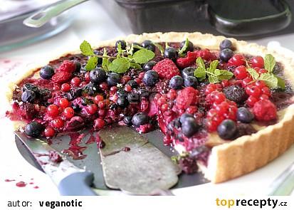 Letní koláč s lesním ovocem