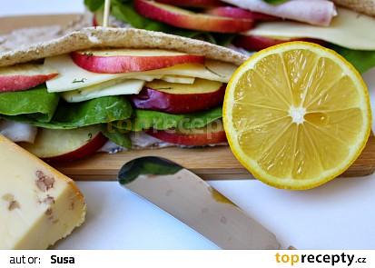Libanonský chléb s koprovým dresingem