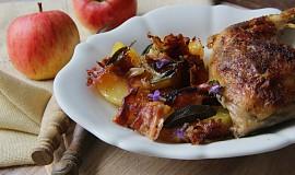 Podzimní kuře s jablky a šalvějí