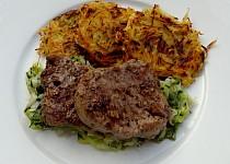 Steak z hovězí svíčkové s pórkovou trávou