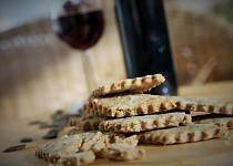 Sušenky s dýňovými semínky a česnekem
