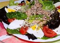 Tuňákový salátek s rukolou