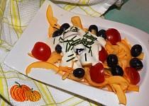 Cuketový salát s hořčicovým dressingem