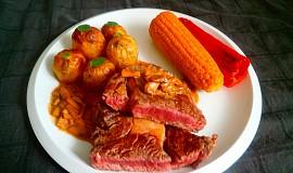 Hovězí steak a houbová omáčka