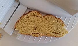 Irský sodný chléb s kukuřičnou moukou