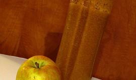 Jablečné smoothie se skořicí a zázvorem
