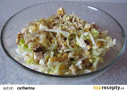 Kuřecí salát s ananasem a kukuřicí