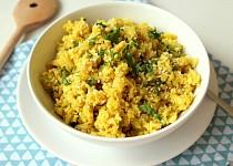 Květáková kari rýže s kokosovým mlékem