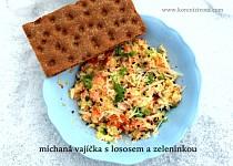 Míchaná vajíčka s lososem a zeleninkou
