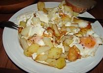 Opečené brambory s volským okem