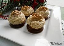 Ořechové hrudky s karamelovým krémem