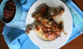 Pečená kuřecí stehna s rozmarýnem