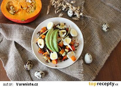 Salát z čočky belugy s dýní, fenyklem a křepečími vejci