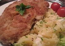 Smažená krkovička s třepanými  brambory
