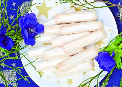 """""""Pařížanky"""" jsou však výjimečné tím, že obsahují pouze bílky s cukrem a jemně strouhané mandle s přídavkem trochy mouky"""