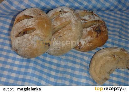 Cibulové bulky s bramborem v těstě
