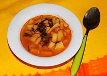 Fazolková polévka s bramborami