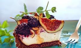 Fíkovo-ostružinový podzimní koláč