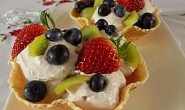 Jogurtová pěna s ovocem