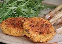 Kapustové karbanátky s quinoou a provolone