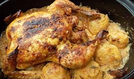 Kuře se zelím a knedlíky z jednoho pekáčku