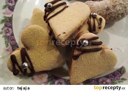 Ořechová srdíčka se žloutkovou polevou