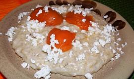 Ovesná kaše s meruňkami a tvarohem