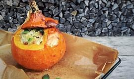 Plněná pečená dýně s pohankou a chia semínky
