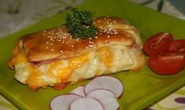 Špaldové kapsy se šunkou a sýrem