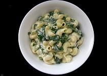 Těstoviny s čerstvými špenátovými listy