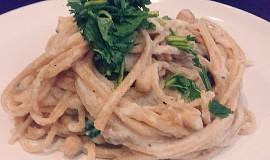 Těstoviny s omáčkou Alfredo (vegan)