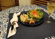 Zelné závitky s hovězím masem a vařenými brambory