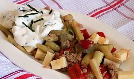Fazolkový salát se sýrem