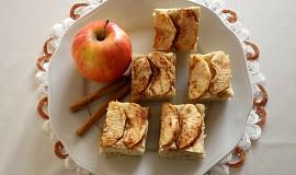 Koláč s jablky bez lepku, mléka a vajec