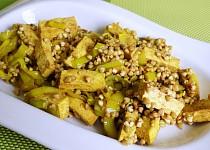 Pohanka na kari s tofu a pórkem