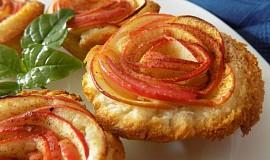 Jednoduché jablkové košíčky z toustového chleba