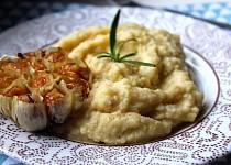 Jáhlovo-květáková kaše s pečeným česnekem