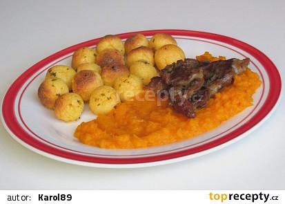 Polentové krokety s krkovicí a dýňovo-mrkvovým pyré