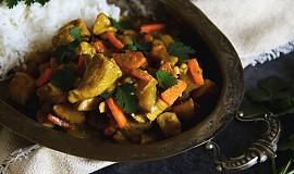 Kuřecí na curry s kedlubnem a mrkví