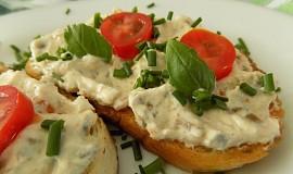 Olivová pomazánka s česnekem