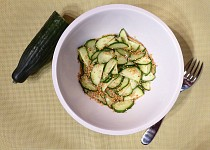 Japonský okurkový salát